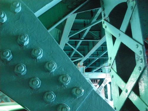 さて、どこの橋裏でしょう?わかんなくなったからクイズにしてみましたw